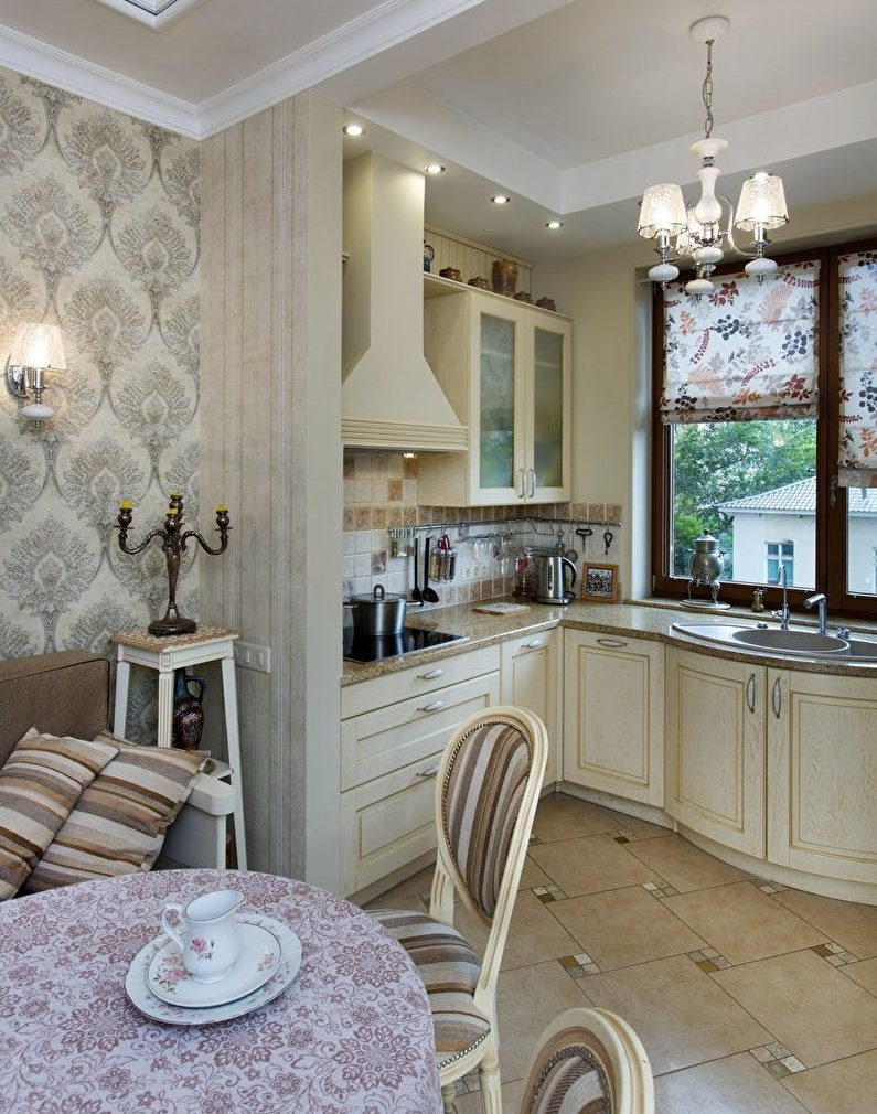 Угловой кухонный гарнитур в частном доме