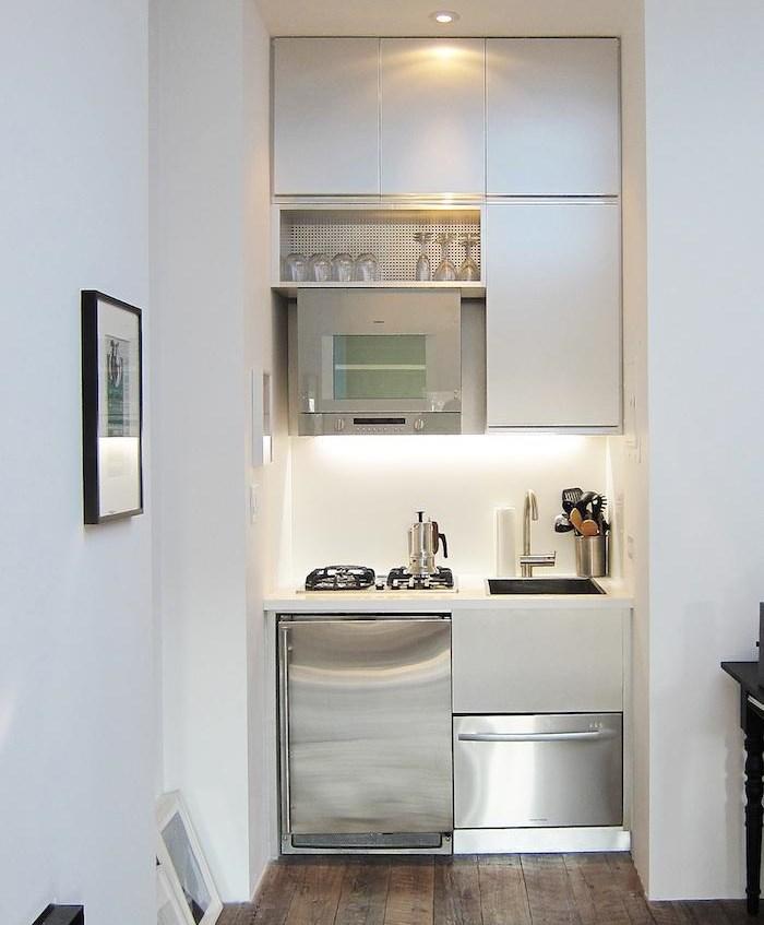 Светодиодная подсветка на маленькой кухне