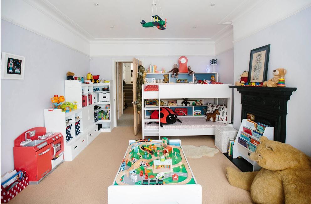 Интерьер просторной детской для девочки и мальчика