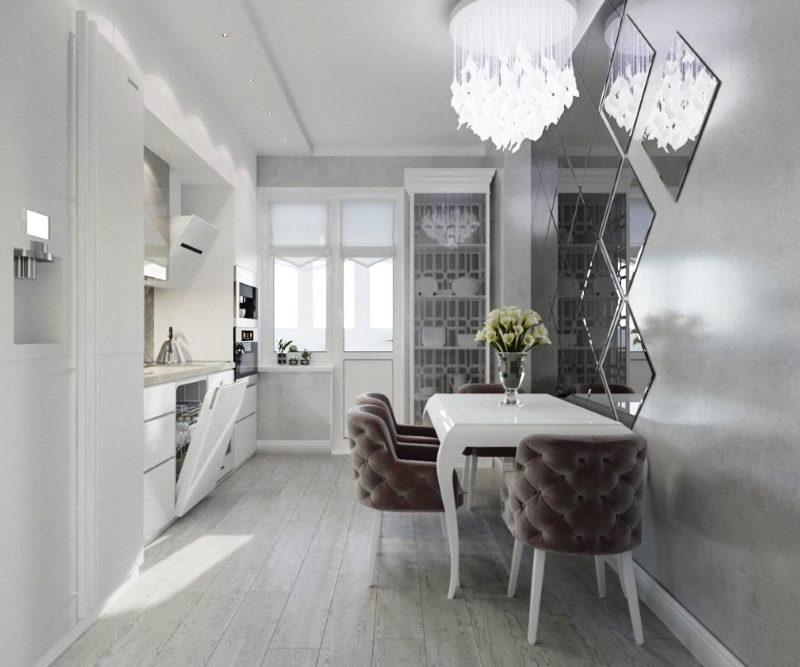 Интерьер кухни в сером цвете с хрустальной люстрой