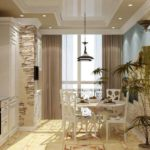 Совмещение пространства кухни и балкона для дополнительной обеденной зоны