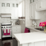 Виниловые обои – отличный вариант для отделки стен в кухне