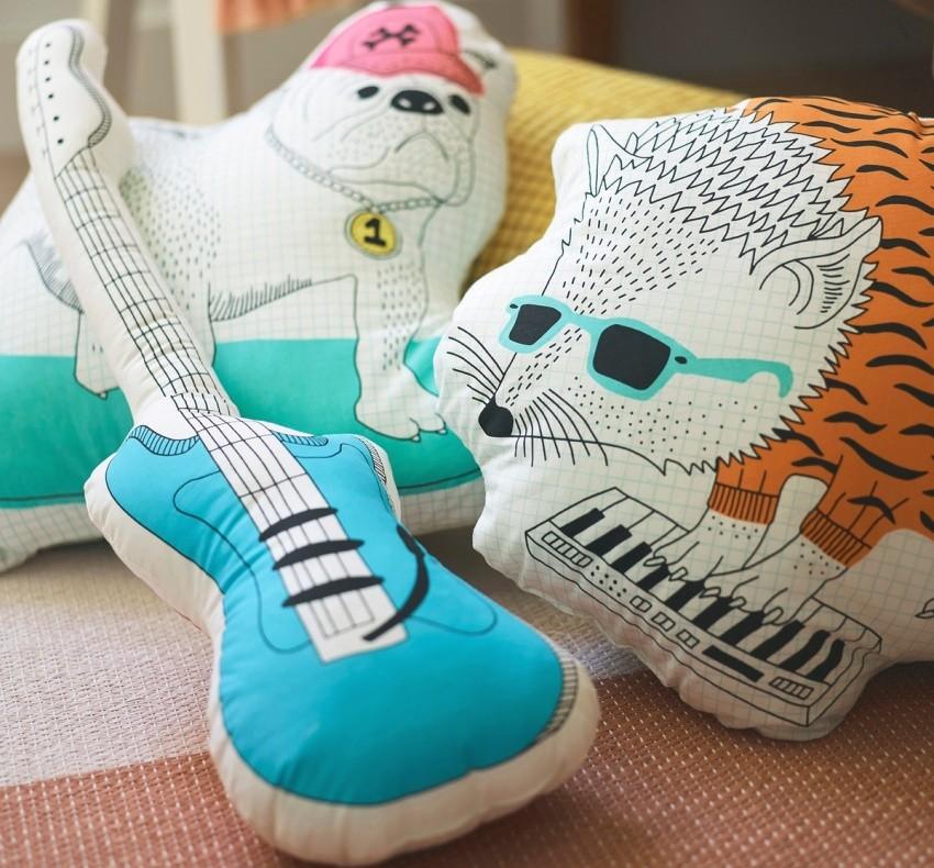 Подушки в качестве декора для совместной детской комнаты